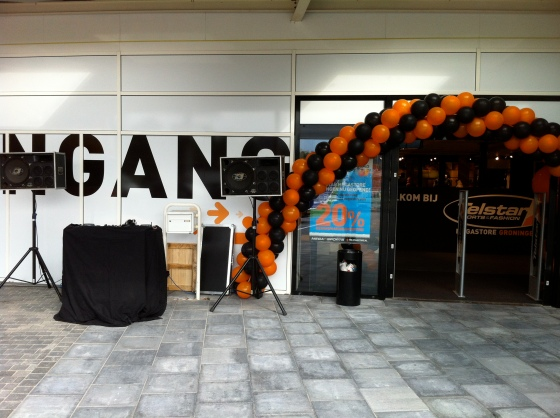 Eigen kleine dj-set bij opening Telstar Groningen